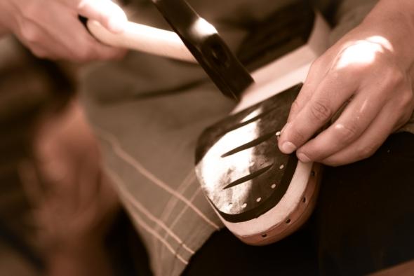 repairing-shoe